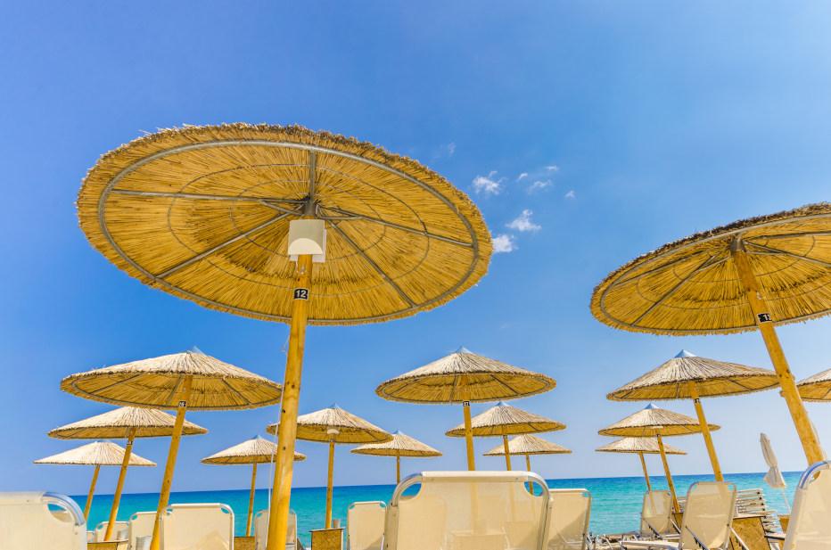 שמשיות בחוף קלמאקי