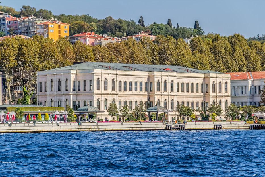 מחפשים מלונות 5 כוכבים באיסטנבול? זהו אחד הטובים. מלון ארבע העונות איסטנבול בבוספורוס