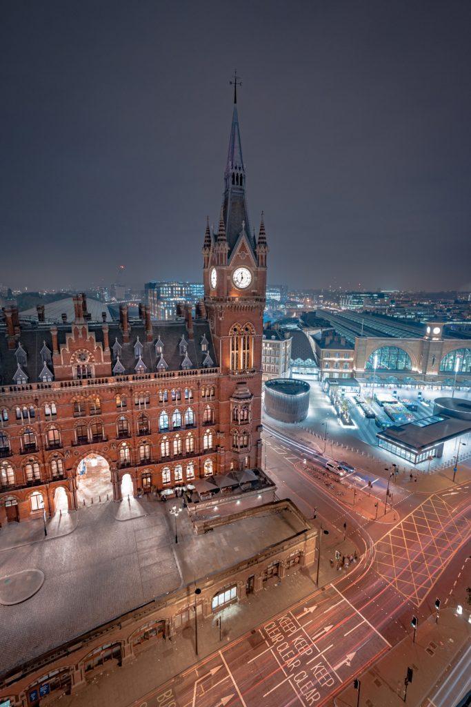 אחד מהמלונות המומלצים בלונדון למטייל: מלון סט. פנקראס רנסאנס לונדון